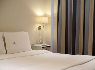 1_piraeus-double-room-06